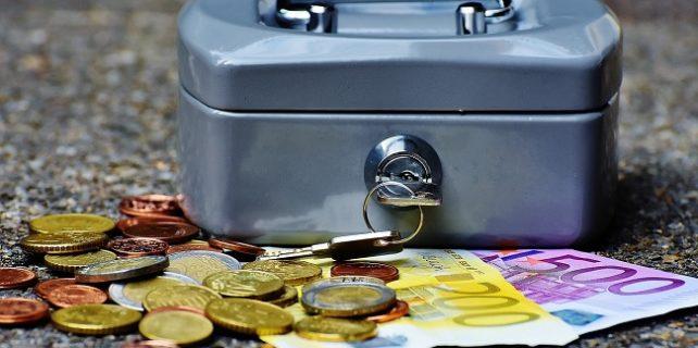 Vadeli Döviz Hesabı Faiz Oranları 642x320 - Bankaların Vadeli Döviz Hesabı Faiz Oranları İncelemesi