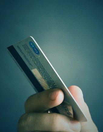 Kredi Kartı Borç Kapatma Kredisi Veren Bankalar 340x433 - Kredi Kartı Borcundan Kurtulmanın 3 Kolay Yolu