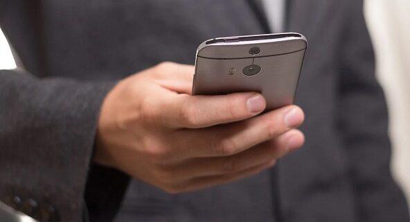 mobil borsa uygulamalari 592x320 - Borsa Takibi Yapabileceğiniz En İyi 3 Mobil Program